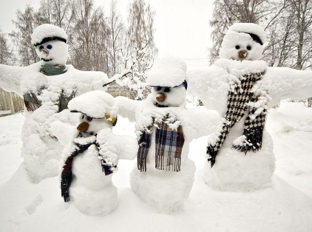 今年冬天好冷,是堆雪人的好时候啊