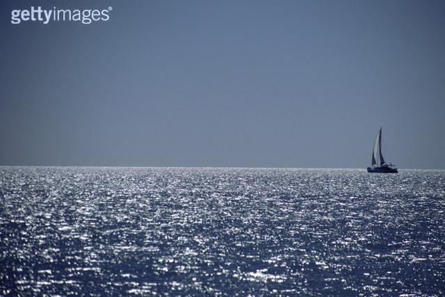 人生好似大海中漂泊的小船; ※ 大海历险记;