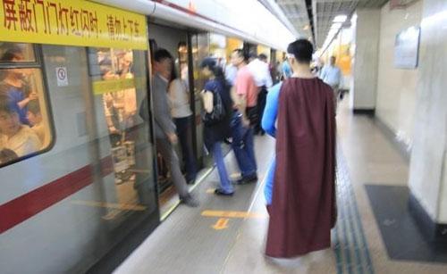 上海地铁里出现过的cosplay 高清图片