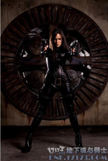 sienna miller   出演的电影或者电视剧:特种部队:眼镜蛇的崛起