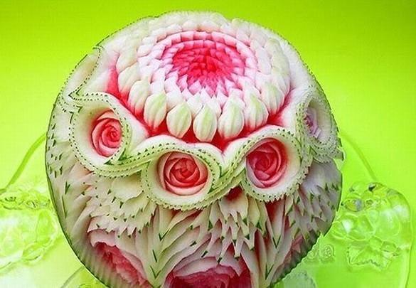 趣味水果蔬菜雕塑拼盘艺术