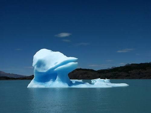 图片之最~~~(系列1)之海上冰山最奇特景观