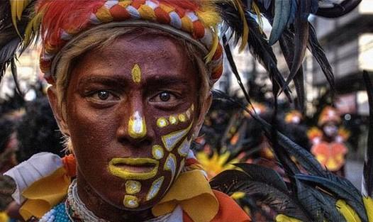 全球12个奇特的民族2011年04月06日 - 老村长 - 老村长