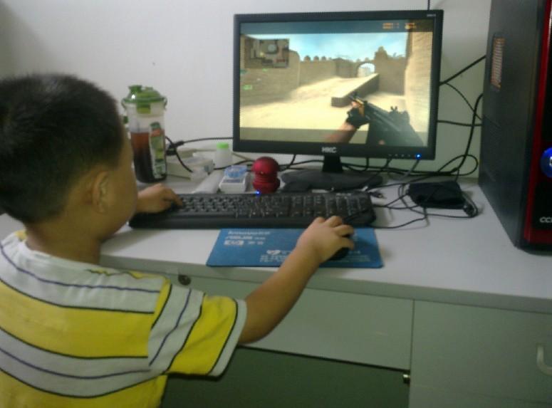室教小孩玩游戏