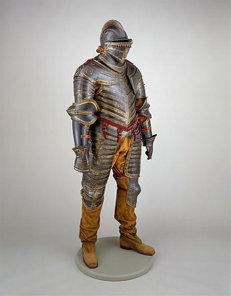 [转载]中世纪骑士盔甲